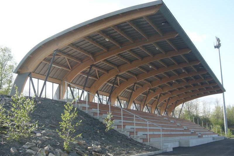 Tribunes-Stade-Bioteau