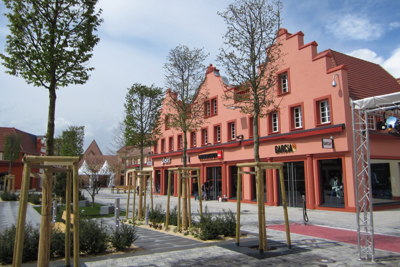 Village-de-marques-STYLE-OUTLET